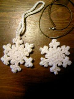 雪の結晶ニット小物